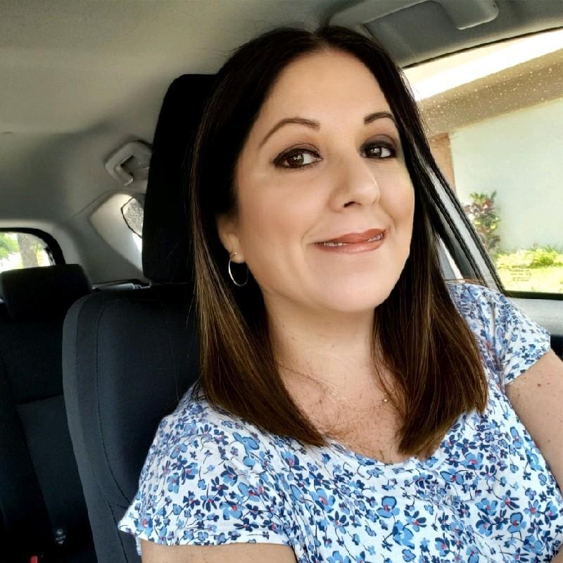 Karin Mostacero